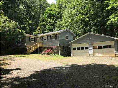 322 Spring Lake Road MAGGIE VALLEY Two BR, Investor Special.