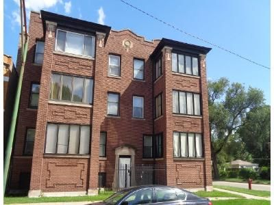 2 Bed 1 Bath Foreclosure Property in Chicago, IL 60637 - S Eberhart Ave # 1