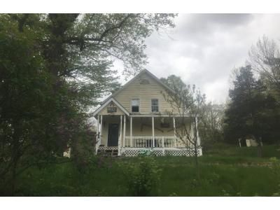 4 Bed 2 Bath Foreclosure Property in Mendon, MA 01756 - Millville Rd