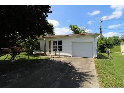 3 Bed 1 Bath Foreclosure Property in Barboursville, WV 25504 - Mount Vernon Cir