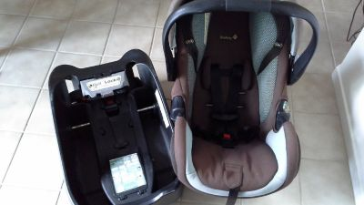 Safety 1st Deluxe AIR Infant Car Seat & Base
