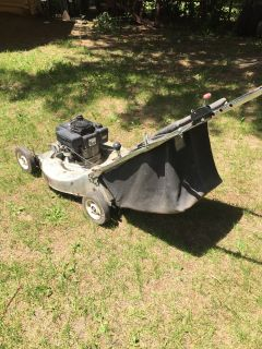 Lawn mower. Master raft rear bagger Needs work no time. Parts or fix. $25.