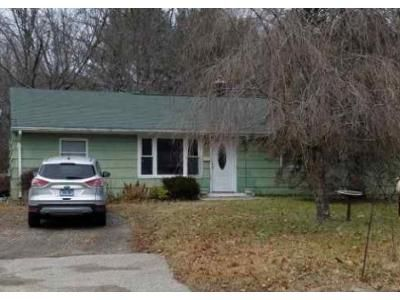 3 Bed 1 Bath Foreclosure Property in Colchester, CT 06415 - Lynn St