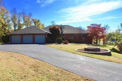 34 Algonquin Drive Millstadt Four BR, This beautiful brick home
