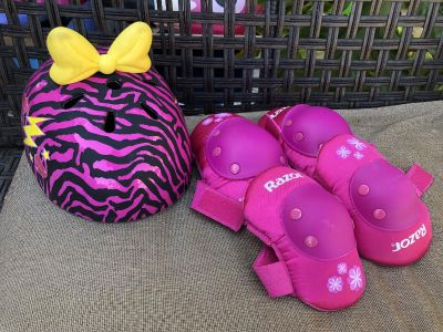 Girl s Helmet & Knee & Elbow Pads! Sz M ages 8 to 12 approx. helmet $5 Pads $5 or all for $8