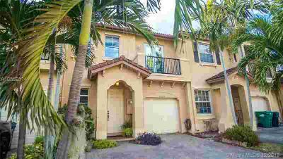 13272 SW 127th Ct Miami Three BR, Gorgeous townhome in desirable