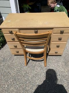 Project antique Desk and chair