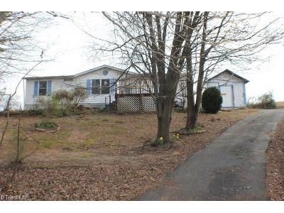 3 Bed 2 Bath Foreclosure Property in Cana, VA 24317 - Wards Gap Rd