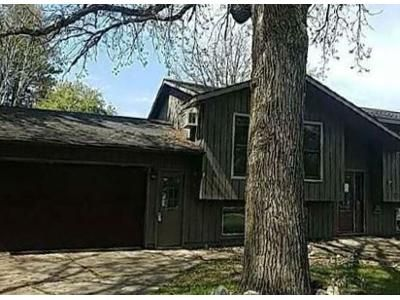 3 Bed 1.5 Bath Foreclosure Property in Coleraine, MN 55722 - Congdon Street