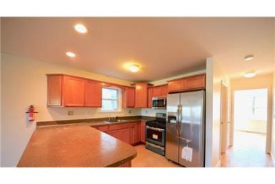 Bayonne - Beautifully renovated 3 bedrooms and 2 full baths large apartment. Washer/Dryer Hookups!