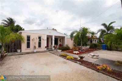 131 NW 51st St OAKLAND PARK, this 2/ bed /Two BA is a must