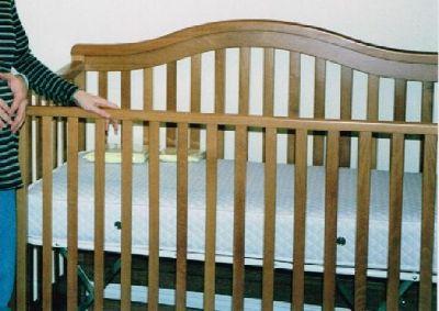 Baby Crib / Bed & Dresser Furniture Set