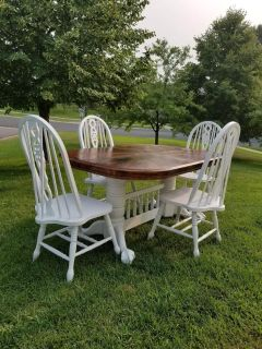 Dining Table w/leaf & 6 Chairs