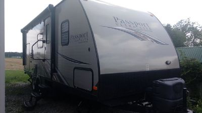 By Owner! 2014 33ft. Keystone Passport Ultra-Lite Grand Touring w/slide