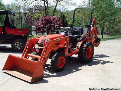 2013 Kubota B2620 Loader and Backhoe Tractor