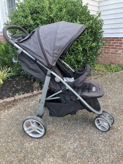 Graco Aire 3 ClickConnect Stroller, EUC, lightweight, easy 1-hand fold, $85. Discount for porch pick up.