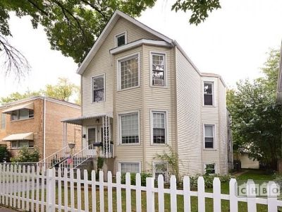 $2700 2 townhouse in North Side