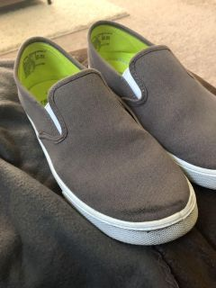 Faded Glory men s 6 shoes