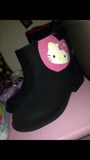 Excelent condition boots hello kitty size 8