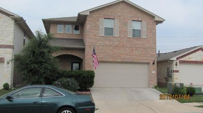 $450, 1br, A larger bedroom of a nice house at NE Austin for rent, No Preference