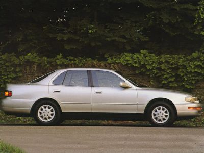 1994 Toyota Camry LE (Gold)