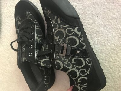 Women s size 10 guess sneakers, used good condition