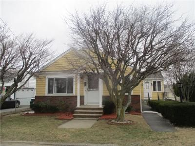 3 Bed 2 Bath Foreclosure Property in Johnston, RI 02919 - Waveland Ave
