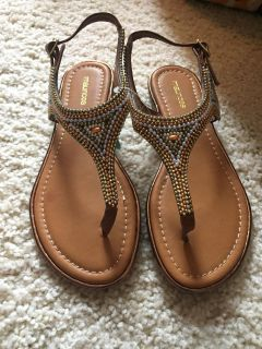 NWT Maurice s sandals