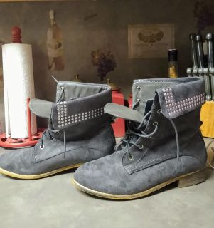 SO CUTE GREY & SILVER STUDDED BOOTIES
