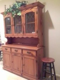 China cabinet/bookcase