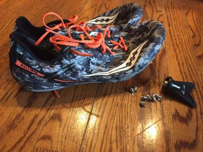 Saucony track shoes 9