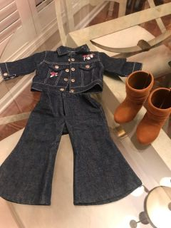 Outfit for doll