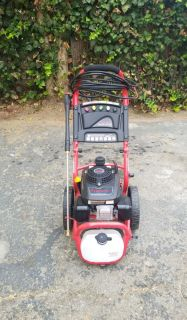 2500 psi, 2.4 gpm, 4hp gas powered pressure washer