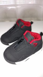 Toddlers Shaq Sneakers (Size 5c)