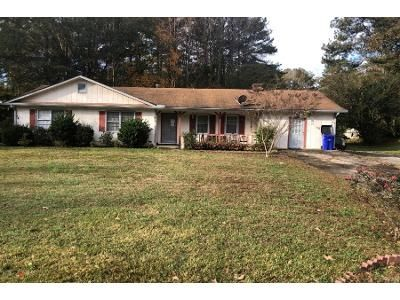 3 Bed 2.0 Bath Preforeclosure Property in Powder Springs, GA 30127 - Misty Bleau Dr
