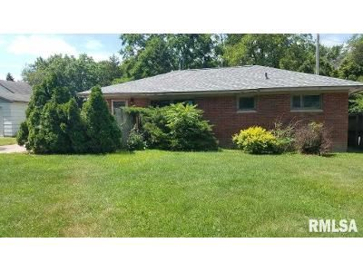 2 Bed 1 Bath Foreclosure Property in East Moline, IL 61244 - 11th St
