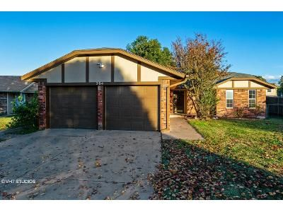 3 Bed 2 Bath Foreclosure Property in Oklahoma City, OK 73160 - S Patterson Dr