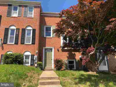 127 Meadowlark Ave Mount Airy, large brick front town home