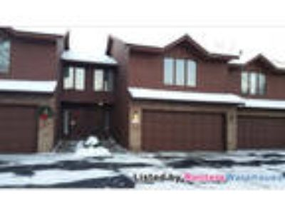 Three BR 1 3/Four BA Multi Level Town Home In Burnsville