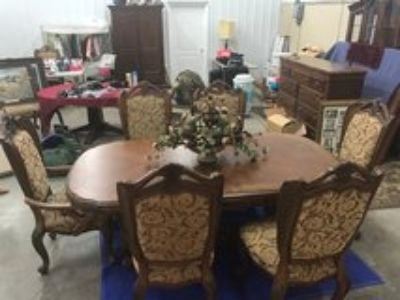 Dining room table & china cabinet