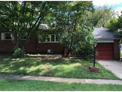 3 Bed 1.0 Bath Preforeclosure Property in Claymont, DE 19703 - Providence Ave