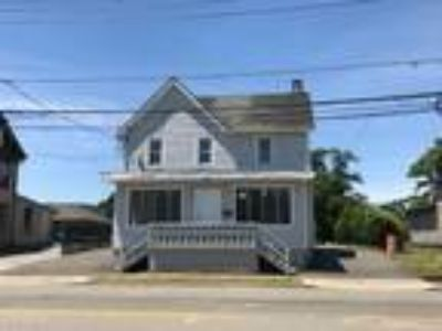 Two BR One BA In Bay Shore NY 11706