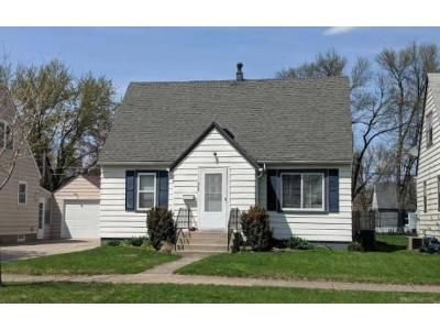 3 Bed 1 Bath Foreclosure Property in Austin, MN 55912 - 12th Ave SW