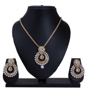 Upto 70% OFF on Necklace Set Online shopping