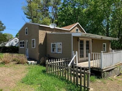 3 Bed 1 Bath Foreclosure Property in Swansea, MA 02777 - Clancy St