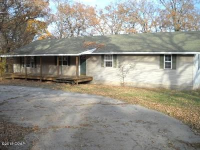 3 Bed 2 Bath Foreclosure Property in Neosho, MO 64850 - Goldfinch Rd