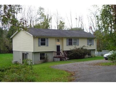 2 Bed 2.0 Bath Preforeclosure Property in Saugerties, NY 12477 - Sparling Rd