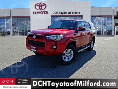 2017 Toyota 4Runner SR5 (BARCELONA RED M)