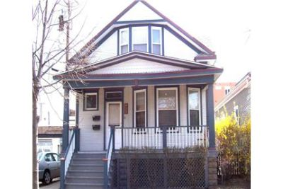 RARELY AVAILABLE TWO BEDROOM  FOR RENT IN OAK PARK