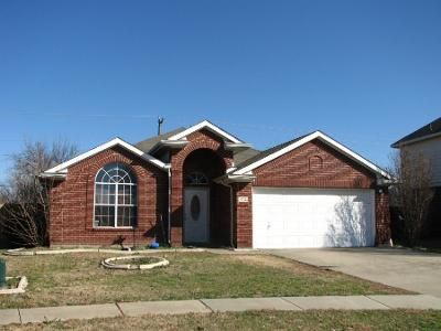 3 Bed 2.5 Bath Preforeclosure Property in Grand Prairie, TX 75052 - Times St